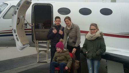 Die 7jährige Anais fliegt in den Kupferhof