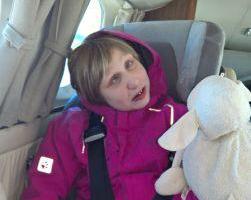Lenja Josie fliegt mit ihren beiden Geschwistern in die Sternenbrücke