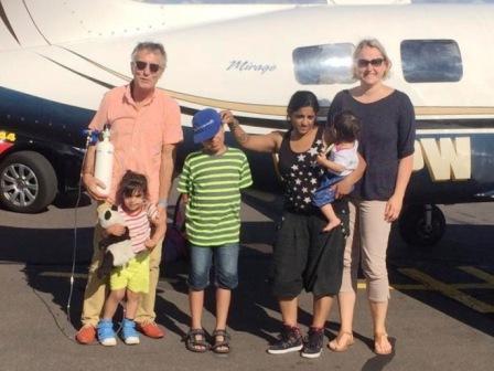 Nayia, Junia und Kayno fliegen in die Ferien