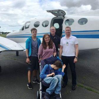 Timo fliegt zum Kinderhospiz Wilhelmshaven
