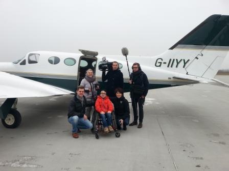 Filmteam begleitet Collin auf seinem Flug