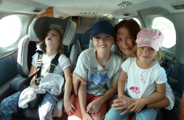 Zahnarztpraxis Dr. Jürgens sponsert Flug für Emma
